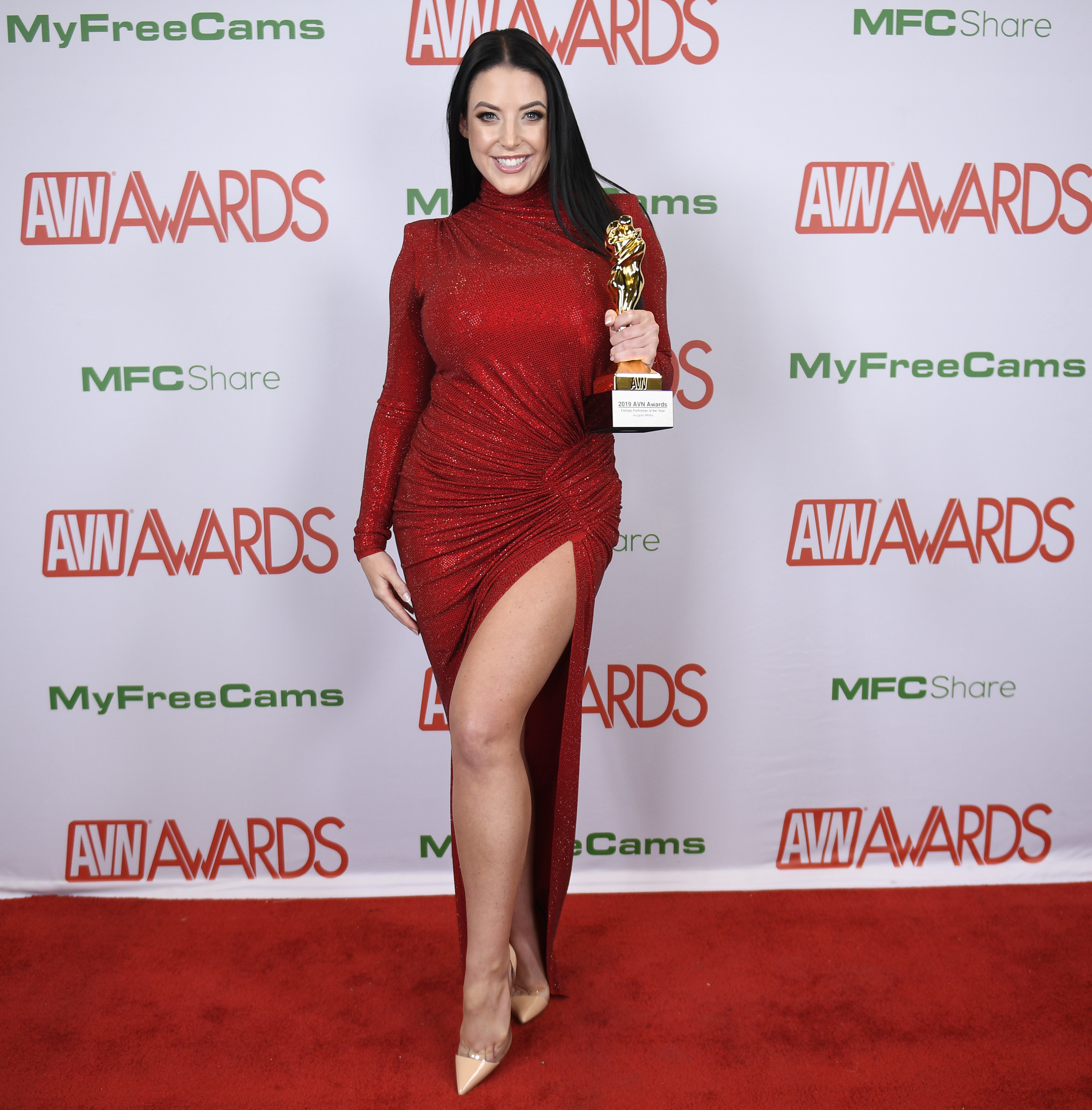 red carpet winner winners avn awards 2019
