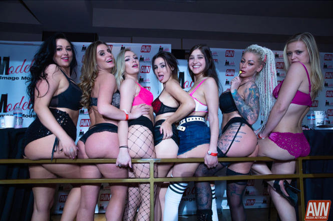 seven hot babes avn awards 2019