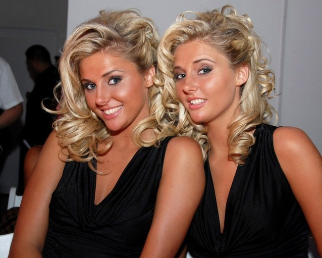 sexy blonde twin sisters